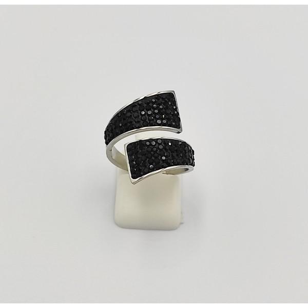 Δαχτυλίδι από χειρουργικό ατσάλι με μαύρα στρας