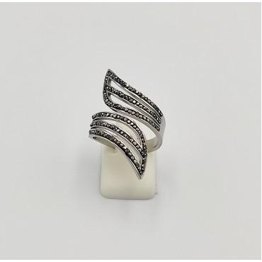 δαχτυλίδι από χειρουργικό ατσάλι με λευκά στρας 21